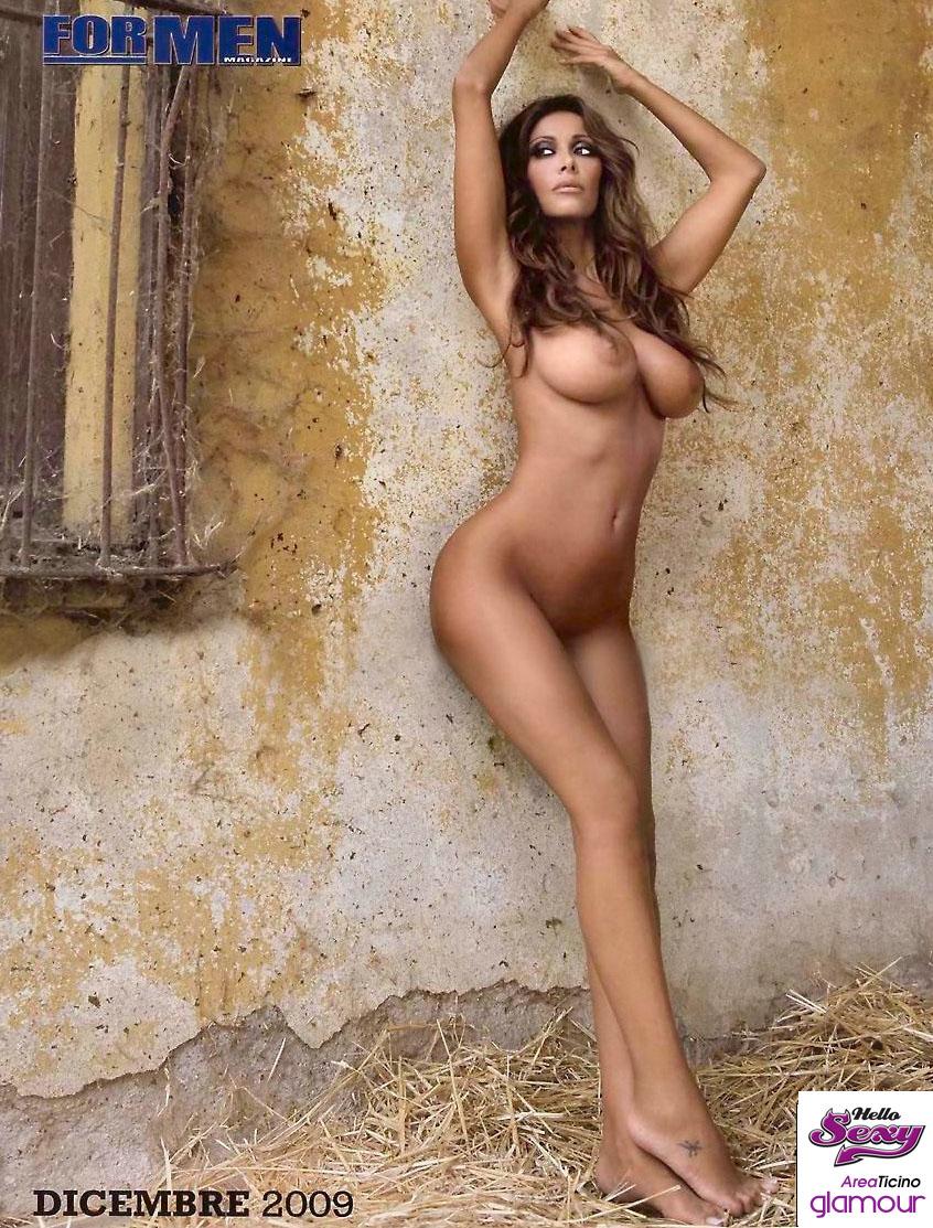 Avril In Nude